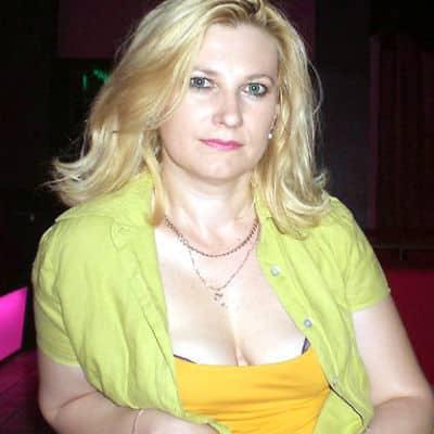 Femme infidèle à la recherche d'un amant discret pour un plan cul gratuit
