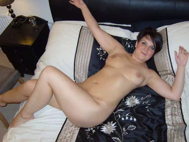 Ronde et sexy cherche homme viril tbm