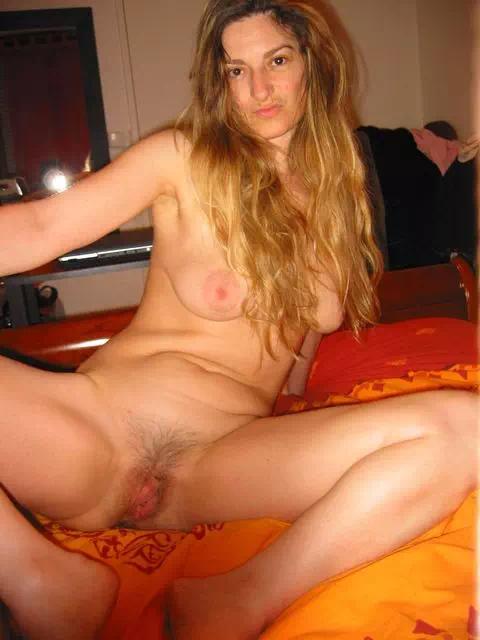 Blonde la quarantaine propose rencontre sexy