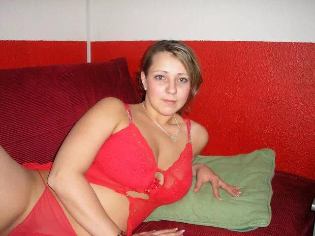 43 ans et seule dans mon lit, il y a quelqu'un ?