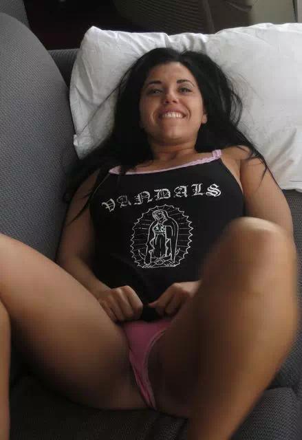 Brune sympa cherche rencontre sexuelle pour s'amuser